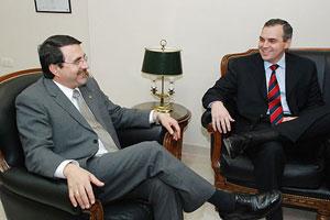 El vicepresidente de Paraguay, Franco Gómez junto al Lic. Gustavo Ick
